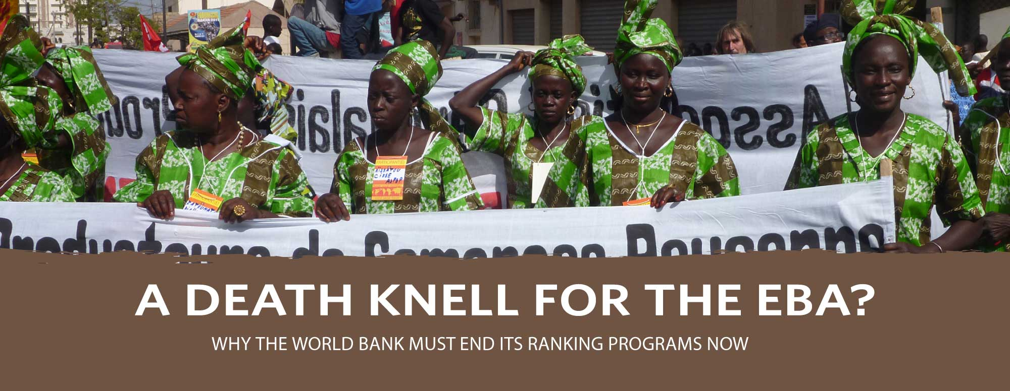 Women farmer organizations march to defend farmer seeds at the 2011 World Social Forum in Dakar. Credit: Awa Tounkara