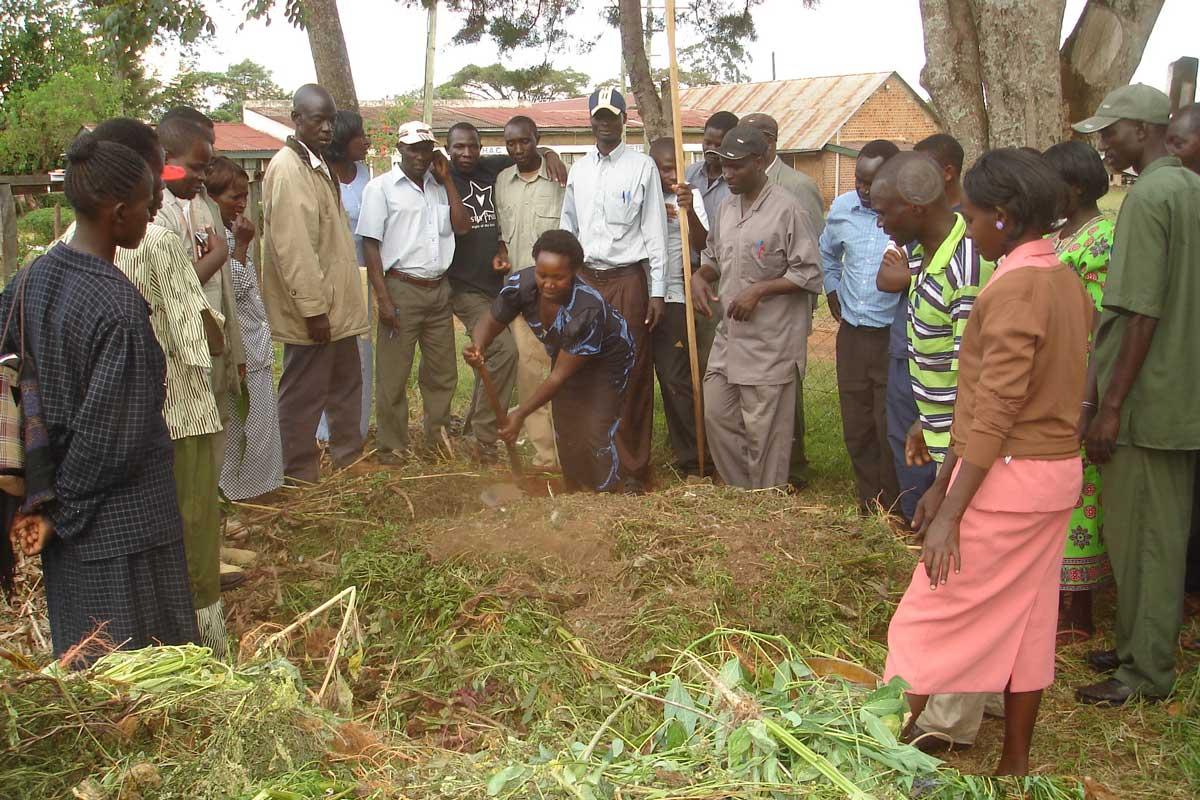 Image: Farmers prepare compost