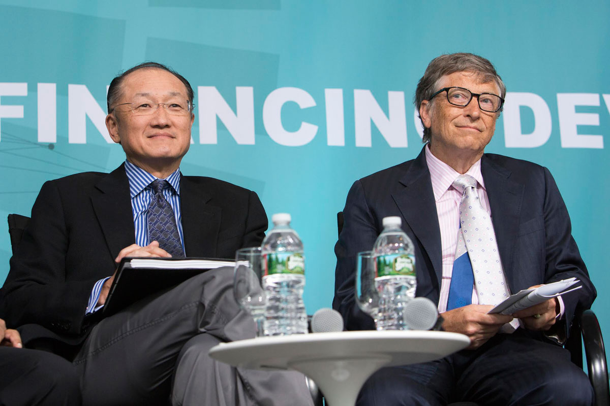 Bill & Melinda Gates Foundation Co-Chair Bill Gates and World Bank Group President Jim Yong Kim at the 2016 World Bank / IMF Spring Meetings. Credit: Simone D. McCourtie/World Bank