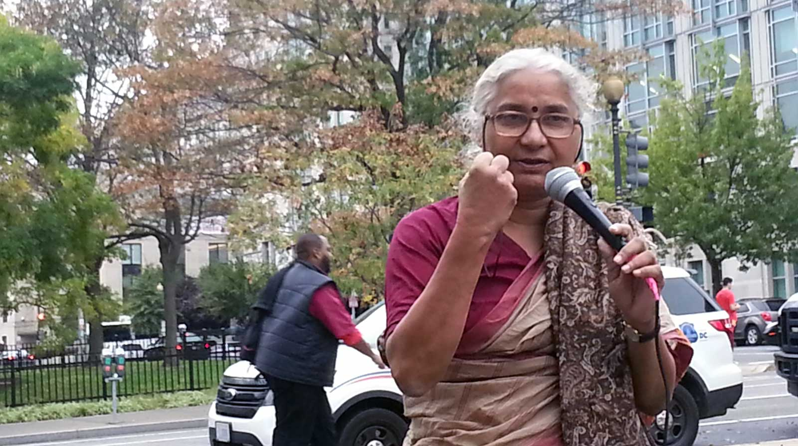 Medha Patkar at the World Bank action organized by the Oakland Institute in 2014