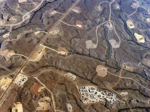 Wyoming - Jonah Oil and Gas. Copyright: EcoFlight