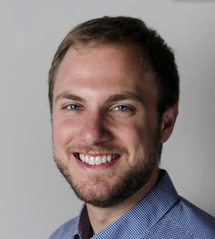 Josh Mayer headshot