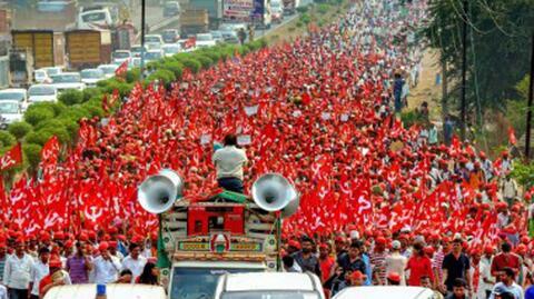 Farmers march towards Maharashtra Vidhan Sabha as part of the Kisan Long March, Maharashtra. Credit: TheInnocentBystander, CC BY-SA 4.0