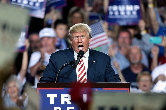 Donald Trump speaking with supporters at a campaign rally at the Prescott Valley Event Center in Prescott Valley, Arizona. Credit Gage Skidmore
